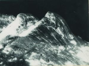 FRANÇOIS BUCHER. La Segunda y  Media dimensión.Una expedición a la meseta fotográfica. 2010. 85 x 62 cm. (01)