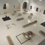 Como quien mueve las brasas y aspira a todo pulmón, 2009. Exhibition view, Museo de Belles Artes, Cádiz.