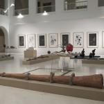 Como quien mueve las brasas y aspira a todo pulmón. Desaguaderos I, 2009. Terracotta, tinted plaster, 402 cm. lengh