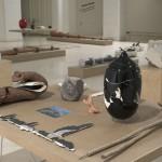 Como quien mueve las brasas y aspira a todo pulmón, Intervalo II, 2009. Ceramic objects, 170 x 150 cm.