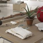Como quien mueve las brasas y aspira a todo pulmón, 2009. Exhibition view, Museo de Bellas Artes, Cádiz.
